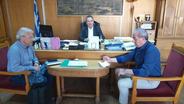 Συνάντηση  των Βουλευτών του ΣΥΡΙΖΑ, Μανόλη Θραψανιώτη, Σωκράτη Βαρδάκη και Ανδρέα Ριζούλη, με τον Υφυπουργό εργασίας Τάσο Πετρόπουλο